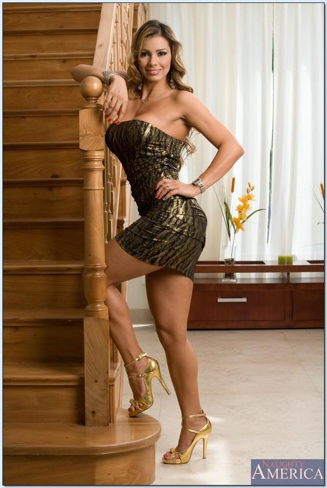 Ripe latina Esperanza Gomez lets you see her perfect body  179600