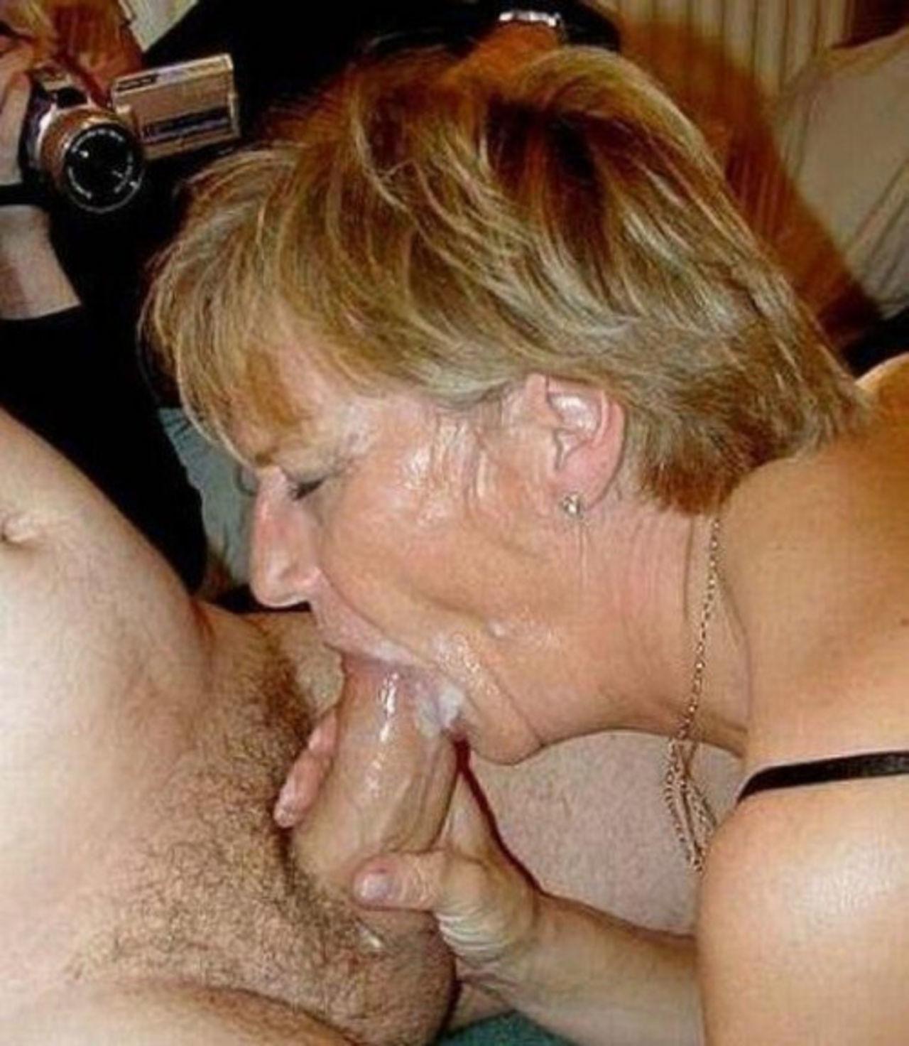 Старушка делает мужу минет фото, полная глотка спермы видео