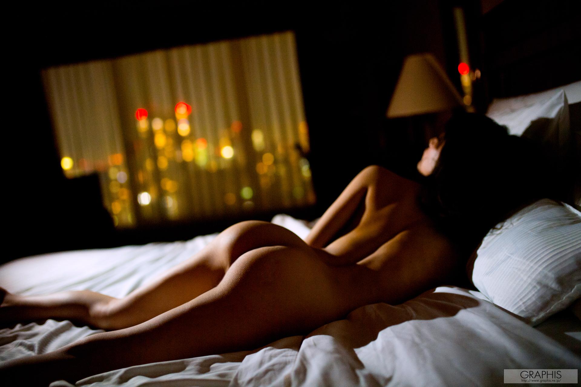 Airi Suzumura desnuda