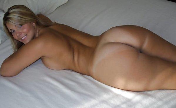 Rubia sexy exuberante