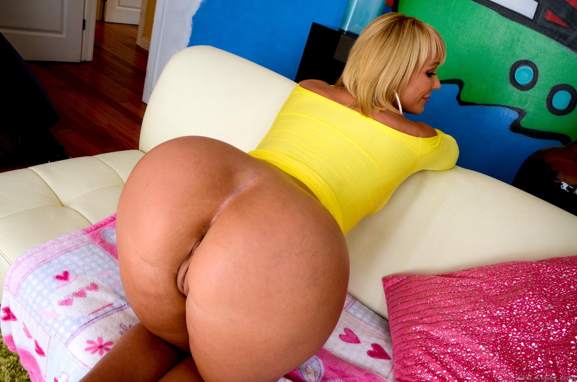 Tracey bregman nude