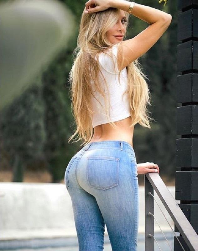 моих сисек блондинка с большой попкой в синих джинсах старый