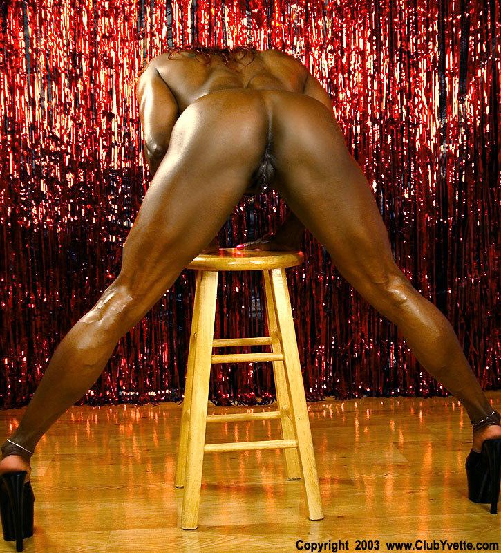 Milf tetona negra fitness 2